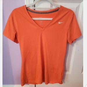 Tops - Nike v-neck workout shirt